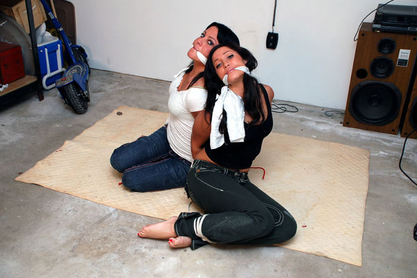 Barefoot Bondage  Boundhotties